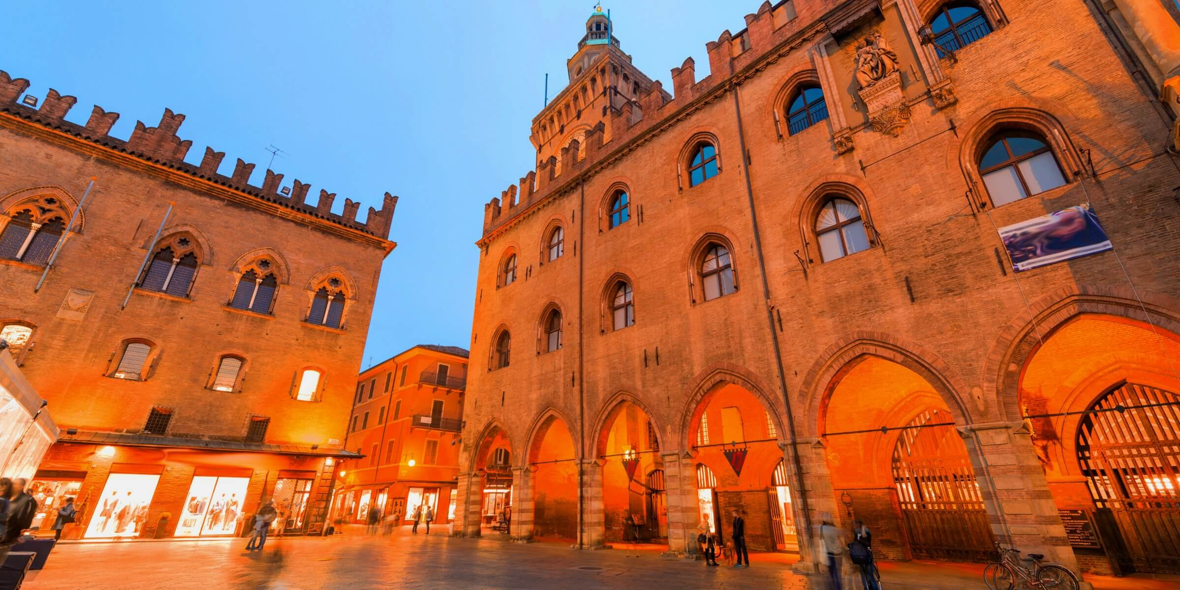 Bologna will suprise you for its beautiness, a preserved and vibrant historical center full of shops, cafes