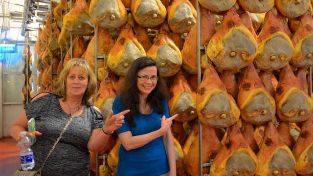 It is a cooking Vacation in Bologna so we cannot miss a visit to a Parma Prosciutto Producer