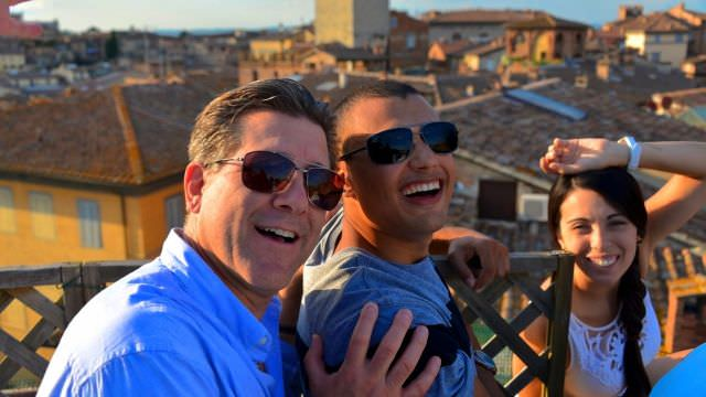 Our vacations mean more to us than Tuscan food and wines. Creating deep bonds and friendships is our true motivation